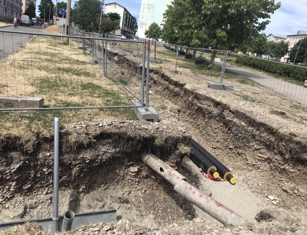 老朽化して朽ちた水道管