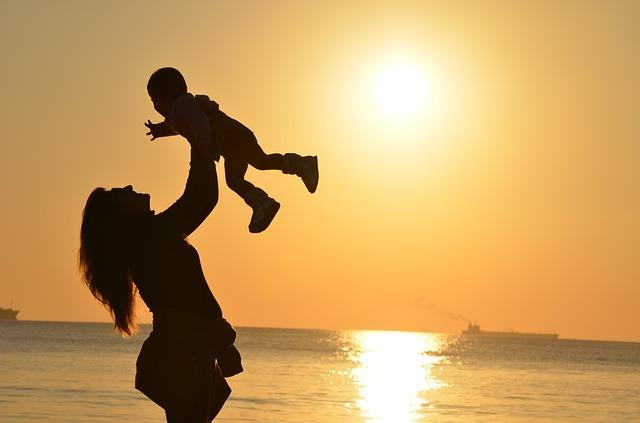 ピュレストの嬉しい効果に喜ぶママと赤ちゃん