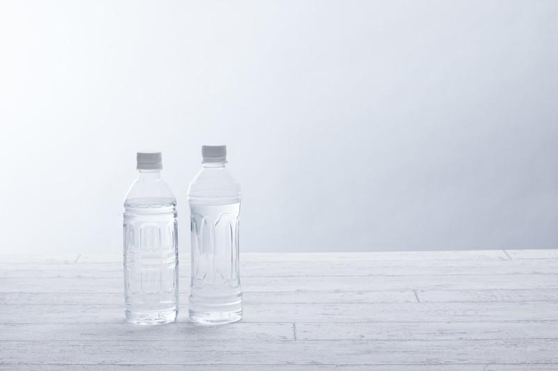 24時間以内に飲み干すべきペットボトルの水